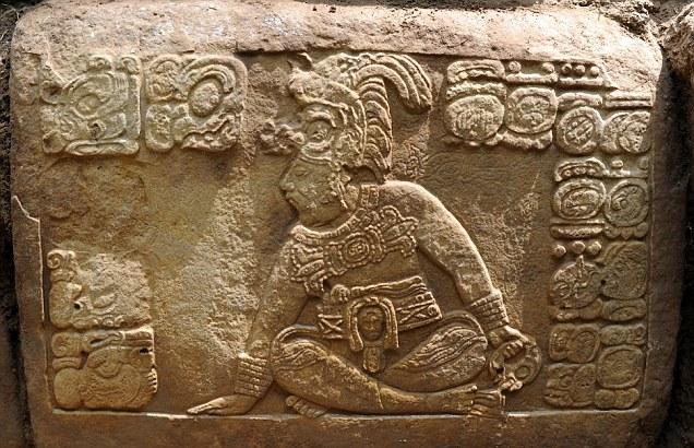 maya-la-corona-guatemala