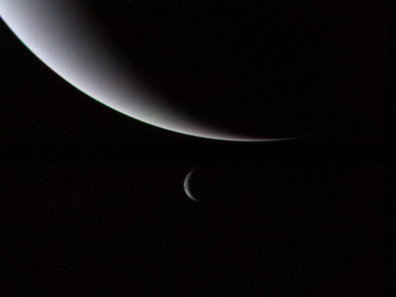 Voyager 2_Neptune_and_Triton
